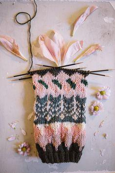 MUITAIHANIASYYSSUKAT ALUSTA LOPPUUN – MUITA IHANIA Sock Toys, Knitting Socks, Knitting Patterns, Knitting Ideas, Knit Crochet, Hair Accessories, Sewing, Jewelry, Crocheting