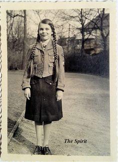 bdm girls hitler youth | Click image for larger version. Name:The Spirit3.jpg Views:2923 Size ...