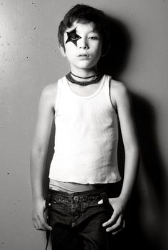 Wish his undies weren't showing at his age.but I LOVE his expression. I gravitate towards this look. Rocker Costume, Book Infantil, Rock Star Outfit, Rock Star Party, Black And White Portraits, Kids Prints, Kid Styles, Cute Faces, Business For Kids