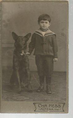 CDV Kleiner Junge in Matrosenanzug mit seinem Schäferhund um 1900 Altena i. W.