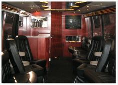 It is absolutely the best thing for bridal parties, corporate events, winery tours. If you have a group of people who want to keep together in the lap of luxury, then this is your limousine to do it inIt is absolutely the best thing for bridal parties, corporate events, winery tours. If you have a group of people who want to keep together in the lap of luxury, then this is your limousine to do it in.