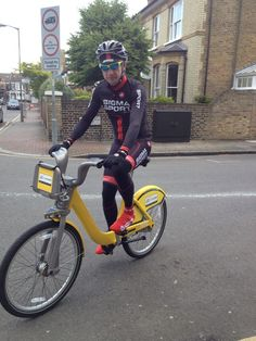 Andy Edwards found 2 yellow bikes in one day and was suitably dressed for the occasion! Thanks for the great picture via Twitter.