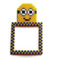 Décoration interrupteur/prise minions [pixel art perles hama]