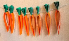 Make a colourful carrot garland to celebrate Easter this year. It's an easy paper craft that will keep little hands busy. Make a colourful carrot garland to celebrate Easter this year. It's an easy paper craft that will keep little hands busy. Hand Crafts For Kids, Easy Easter Crafts, Easy Halloween Crafts, Fun Crafts, Arts And Crafts, Origami, Carrot Craft, Deco Fruit, Easter Crafts