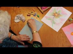 How to Draw a Daisy with Chalk Pastels - YouTube