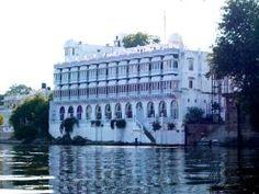 Lake Pichola Hotel - http://indiamegatravel.com/lake-pichola-hotel/