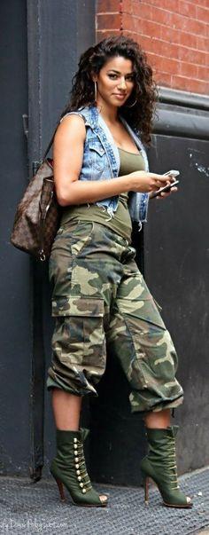 Camouflage-and-killer-heels.jpg (400×1023)
