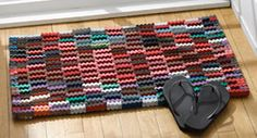 Recycled Flip Flop Door Mat. Shelly i think this would be easy for u... with all the flip flops u have!!