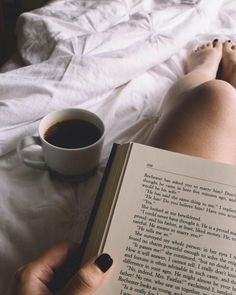 Photo Instagram, Instagram Story, Creative Instagram Stories, Book Aesthetic, Insta Photo Ideas, Coffee And Books, Study Inspiration, Book Photography, Art Photography Women