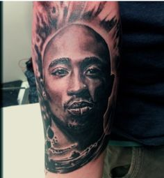 Awesome Tupac Shakur Tattoo This one is pretty lifelike Nice ᕙ(▀̿̿Ĺ̯̿̿▀̿ ̿) ᕗ