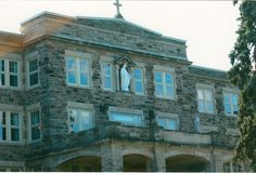 Our Lady of Grace began welcoming pioneer sisters, candidates and boarders to the Canadian Motherhouse in 1927.