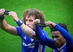 David #Luiz and #Willian celebrate by paying tribute to #Chapocoense #Respect ❤️