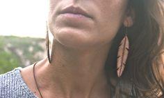 Mira este artículo en mi tienda de Etsy: https://www.etsy.com/listing/251819172/brown-feathes-earrings-ref-i8