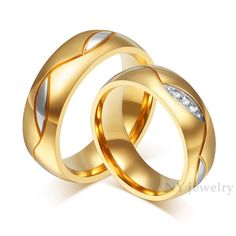 Gold-Color Wide Wedding Rings for Men and Women Jewelry - chokers - trauringe Gold Wedding Rings, Wedding Rings For Women, Wedding Bands, Wedding Jewelry, Crystal Wedding, Silver Rings, Trendy Wedding, Steel Jewelry, Men's Jewelry