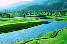 Move your negotiating table to #YalongBay #GolfClub! Your business partners would love it! #Sanya #whererefreshingbegins #fun #travel #business #leisure #entertainment #enjoy #tourism #GreenLand #nature #clean #attractive #amazing #TourismParadise
