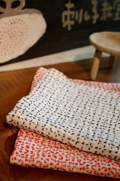 【 Finely hand-stitched SASHIKO FUKIN(cloth) 】 It might be available for any scene of your life. SASHIKO is to strengthen cloths which old Japanese people tried on their working wear. OLD turns to be NEW!