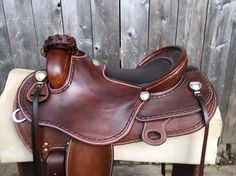 Details of seat in an endurance saddle