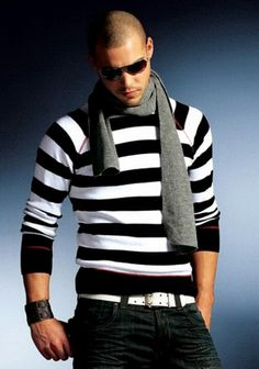 Outfit trends bring 10 perfect casual wear for men trending these days. Earlier we introduced you with mens outfits for spring/summer and mens casual shoes. Now its time for cool casual outfits for… Stylish Casual Outfits For Men, Casual Wear For Men, Casual Jeans, Casual Clothes, Men Clothes, Modern Outfits, Casual Boots, Smart Casual, Casual Dresses