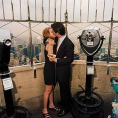 Kissing Couple atop Empire State Building, NYC 2000