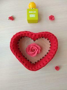 Восхитительная корзинка в виде сердца покорит своей красотой и изысканностью. Заказать такую можно y @anutka.vyzet Earrings, Cute, Jewelry, Ear Rings, Stud Earrings, Jewlery, Jewerly, Ear Piercings, Kawaii