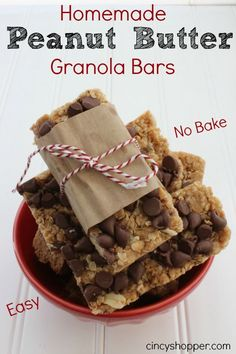 Homemade Peanut Butter Granola Bars. No Bake, so Simple to make! Great for lunchboxes and snacks.