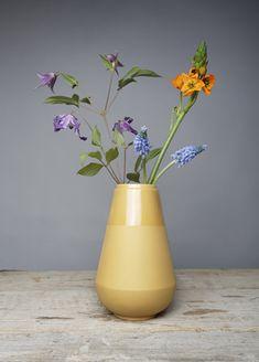 Flower Power, My Flower, Flower Vases, Home Flower Arrangements, Flower Texture, Small Bouquet, Fair Lady, Bunch Of Flowers, Arte Floral