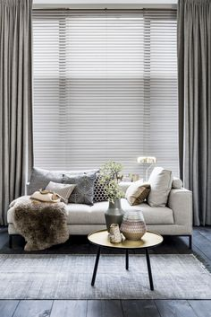 The Undeniable Reality About Modern All White Living Room Decor - tophomedecore Home Interior Design, Modern Home Interior Design, Room Decor, Home And Living, Interior Design, House Interior, Luxury House Interior Design, Living Room Decor Apartment, Minimalist Home
