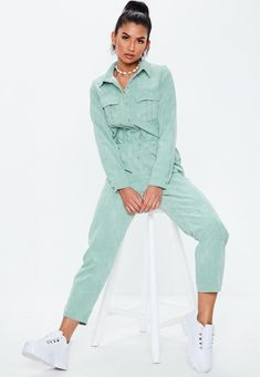 Up your jumpsuit game with hundreds of styles and finishes for any occasion. Explore our women's jumpsuit collection now for a super effortless look. New Outfits, Casual Outfits, Summer Outfits, Jumpsuit Outfit, Black Jumpsuit, Long Jumpsuits, Jumpsuits For Women, Fashion Model Poses, Playsuit Romper