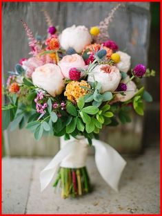 Wedding Bouquets - Organizing The Arranging Of Your Own Wedding Flowers #WeddingBouquets