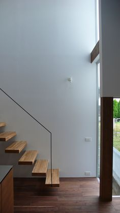 4 Times The Stair Decoration Would Make You Feel Amazed - Trend Crafts Luxury Staircase, Staircase Design, Staircase Ideas, Stair Handrail, Railings, Modern Stairs, Modern Railing, Stair Detail, Staircase Makeover