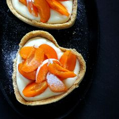 Apricot tarts with honey cream (Text in Bulgarian with translator)