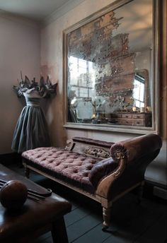 36 best fainting sofas images fainting couch lounge suites rh pinterest com
