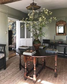 "Heidi Caillier on Instagram: ""Entryway of my dreams @carlosgarciainteriors. #inspiration #interiordesign #design #interiors #home #homedecor #entry #carlosgarciainteriors"" Unique Home Decor, Cheap Home Decor, Diy Home Decor, Country Decor, Rustic Decor, Farmhouse Decor, Interior Walls, Interior Design, Design Interiors"