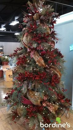 Image result for christmas tree ideas Christmas Wreaths, Christmas Swags, Holiday Burlap Wreath, Christmas Garlands