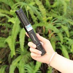 ( https://www.laserpuissant.com/laser-bleu-1200mw.html )   Pointeur Laser Bleu 1200mW/1500mW Puissant Cinq Tête