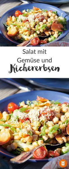 Kichererbsen sind so lecker! Und auch noch ein zero Points Lebensmittel. Unseren Kichererbsensalat mit Gemüse kannst du also genießen, bis du satt bist! WW Your Way I zero Points I 0 Punkte I WW Rezept I Kichererbsen I Salat I Weight Watcher Deutschland