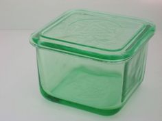 VINTAGE Green Glass Refrigerator Dish Depression #VaselineGlass with Lid 1930's
