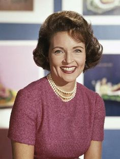 Betty White as an older adult, posted by Amanda on her blog wayfaringmagnolia on February 23, 2012. photo was taken in the 1940s