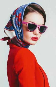 Nadire Atas on How to Wear Scarves Headscarf Looks Rockabilly, Photography Poses, Fashion Photography, Head Scarf Styles, Trendy Swimwear, Vogue Covers, Vintage Mode, Scarf Hairstyles, Models