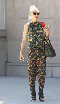Newly Single Gwen Stefani Steps Out With a Big Smile: Gwen Stefani could not have looked happier after attending church in LA on Sunday.