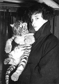 Strawberige: la femme surréaliste Leonor Fini