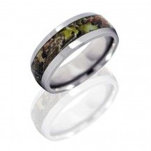 Check out this men's wedding band with their 'Mossy Oak Obsession' camouflage design... #Fable #mensweddingbands #stevesjewelers  8HR(1)4G-P-MOC/OB