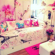 My pink world 💕 #ikea #hemnes #eiffeltower #chanel #peony #lily #pink #girl