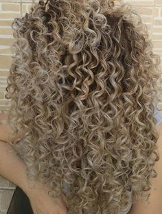 @nhairofficial Highlights Curly Hair, Blonde Curly Hair, Colored Curly Hair, Blonde Curls, Curly Hair Tips, Balayage Hair, Curly Hair Styles, Natural Hair Styles, Spiral Perm Long Hair
