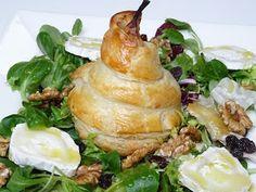 Peras envueltas en hojaldre con ensalada gourmet | Cocina