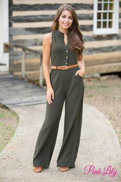 This gorgeous olive jumpsuit is simply perfect for all of your fall adventures! It features v-neckline with golden buttons on the lower part of bodice, a decorative pocket on the bodice, and a cute collar for a classic touch!