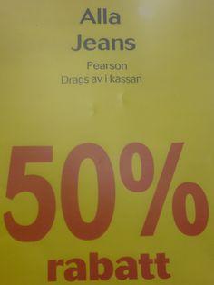 Jeansen drags av i kassan.