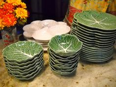 One of my favorite china patterns, green cabbage leaf from Bordalo Pinheiro. I smile every time I look at these dishes. Not vintage but utterly charming. Dining Decor, Dining Table, China Display, Green Cabbage, Tuscan Decorating, Table Settings, Place Settings, Fenton Glass, China Patterns