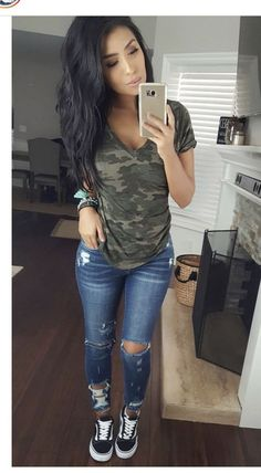 fashion Pin by Yvette Wesley on Outfits in 2019 Spring Outfits Fashion Outfits pin Wesley Yvette Cute Fall Outfits, Trendy Outfits, Fashion Outfits, Summer Mom Outfits, Spring Outfits Women Casual, Jean Outfits, Winter Outfits, Casual Jeans Outfit Summer, Cute Everyday Outfits