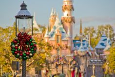 Disneyland @ Christmas...I want to go to there